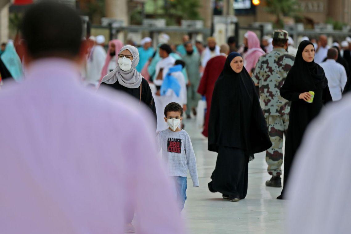 Coronavirus: Saudi Arabia suspends 'umrah' pilgrimage