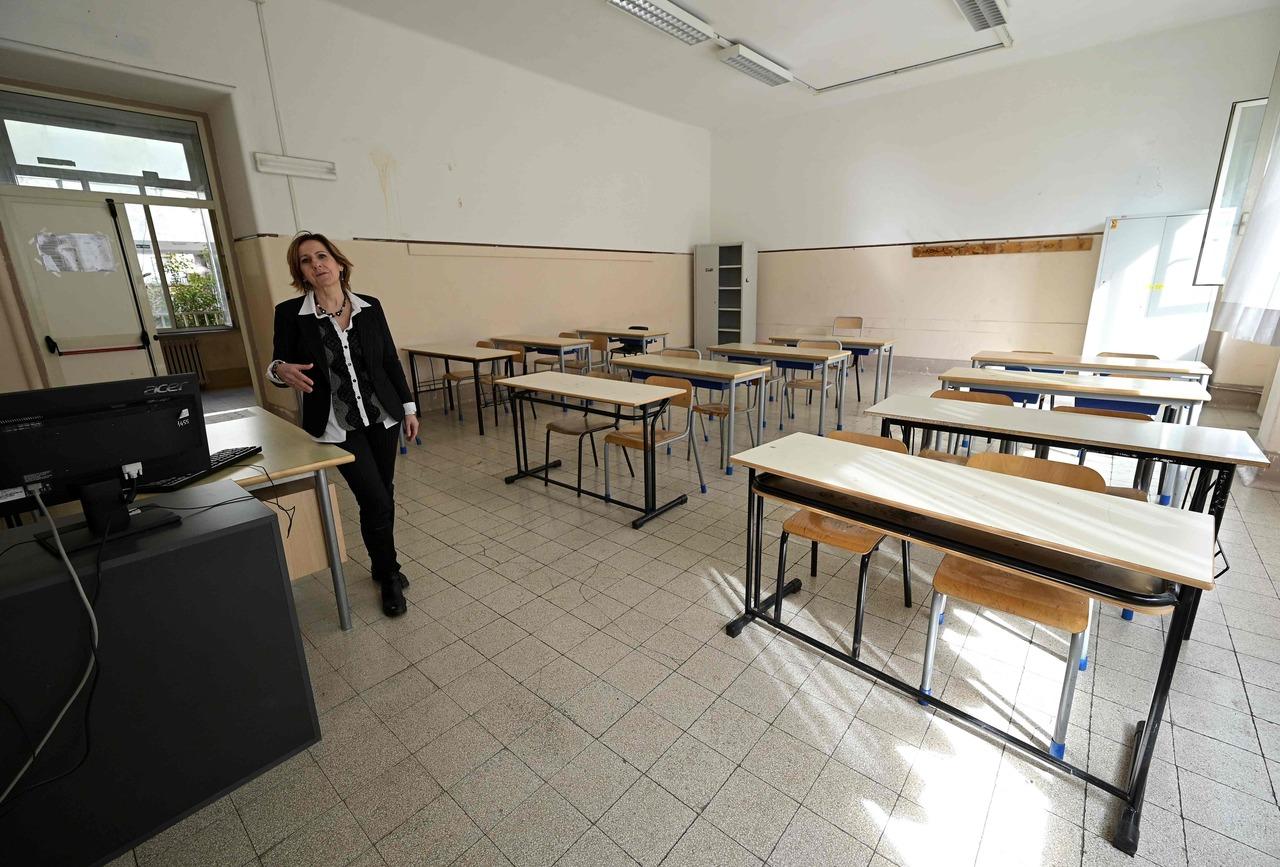 Italy's parents scramble after schools shut over coronavirus fears