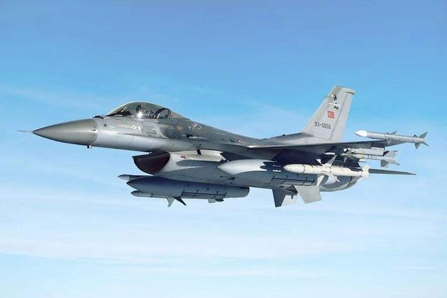"""原创 叙利亚战争:世界最顶级的""""铠甲-S1""""防空系统为什么没有击中目标"""