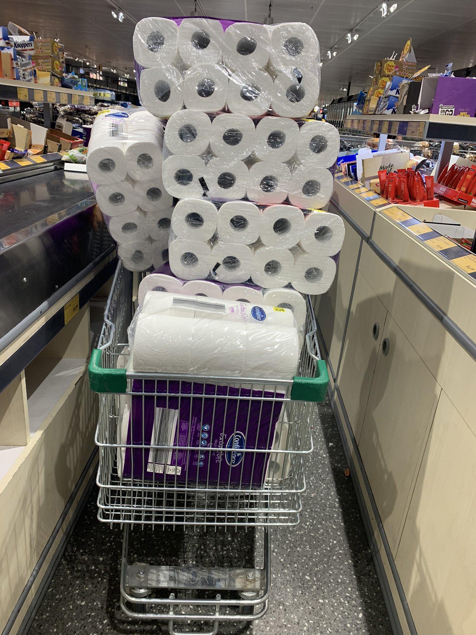 新冠肺炎肆虐全球 人们为何抢购卫生纸