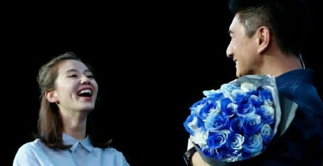 刘诗诗产后第一个生日,吴奇隆踩点最后一分钟为爱妻庆生,比心隔空示爱