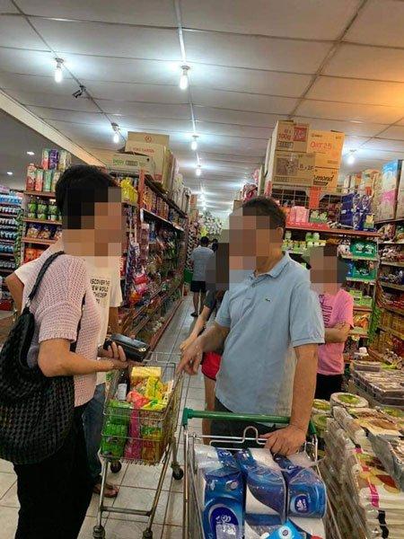 ◤全球大流行◢ 斗湖民众大恐慌 超市抢购日用品