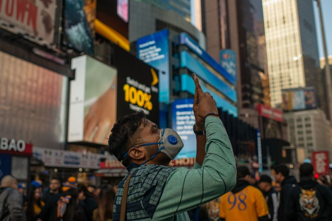 Coronavirus: Broadway shuts as virus-hit New York bans large gatherings