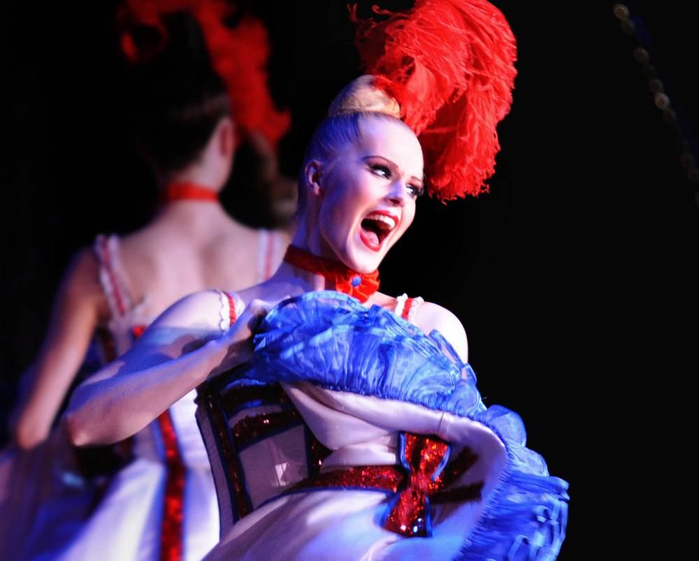 Hope, defiance at last Moulin Rouge show before virus shutdown