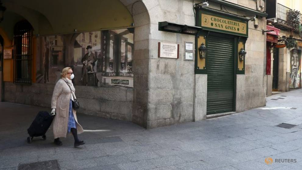 Spanish cafes reopen as daily COVID-19 death toll falls to seven-week low