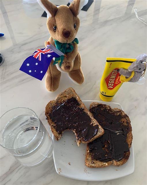好莱坞明星Tom Hanks再PO文! 不少网友把重点放在他的「早餐」上… 连澳洲当地人看了也吓一跳!