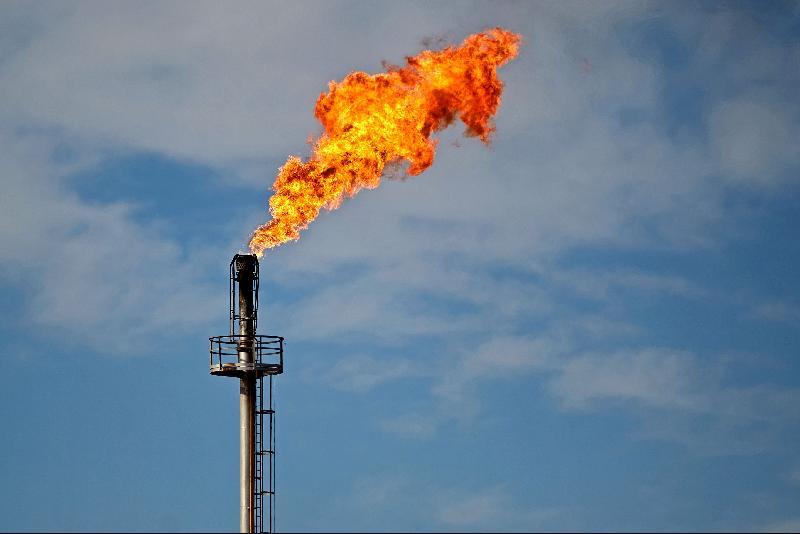 沙地俄罗斯产油会议推迟·油价下跌8%