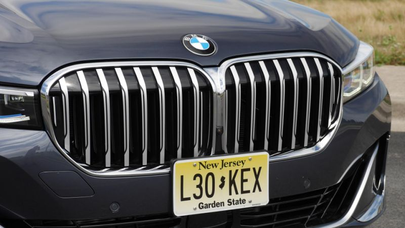 Here's what the giant kidney grille looks like on a BMW 4 Series Convertible