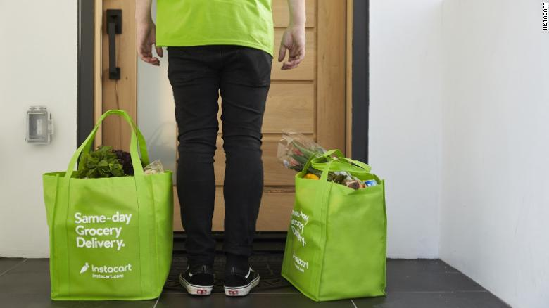 People are luring Instacart shoppers with big tips -- and then changing them to zero