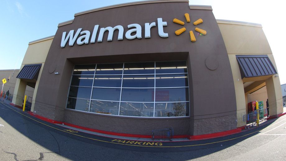 Coronavirus Mocker Charged With Making Terrorist Threat After Defiant Licking Spree at Walmart