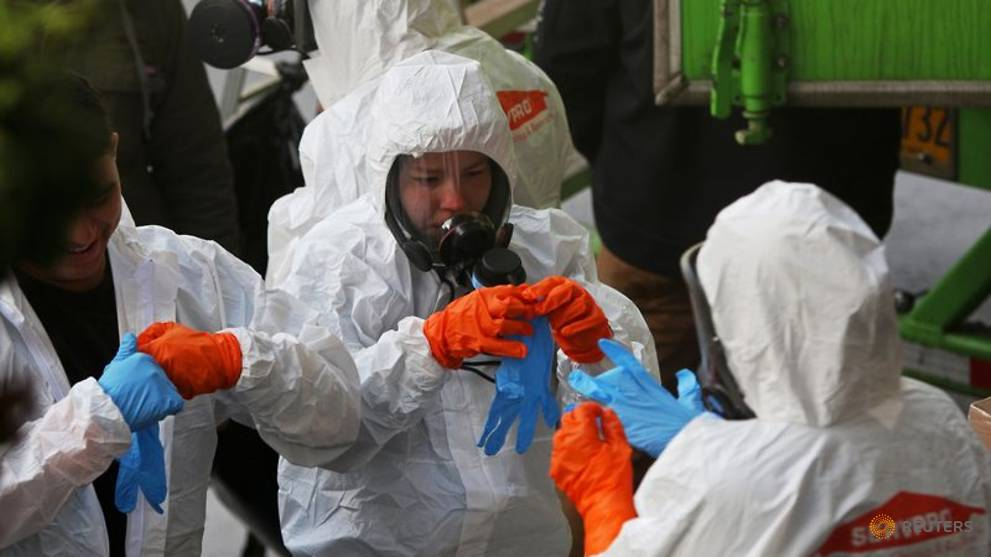 More than 1,000 US coronavirus deaths, near 70,000 cases
