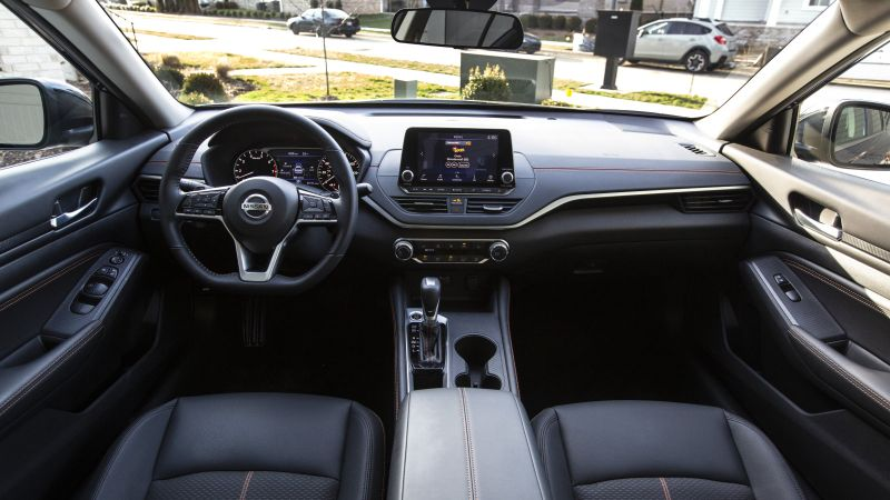 2020 Nissan Altima Review & Buying Guide | Hey, look, a sedan
