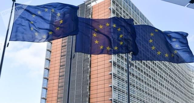 马克龙称冠状病毒威胁着欧盟和申根的生存