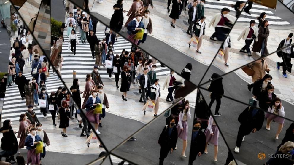 Japan 'not planning' a coronavirus emergency but entry bans loom