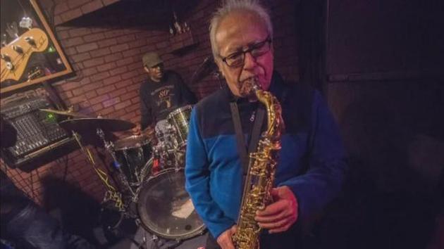 美国爵士乐演奏家因新冠病毒去世 两周前还在演出