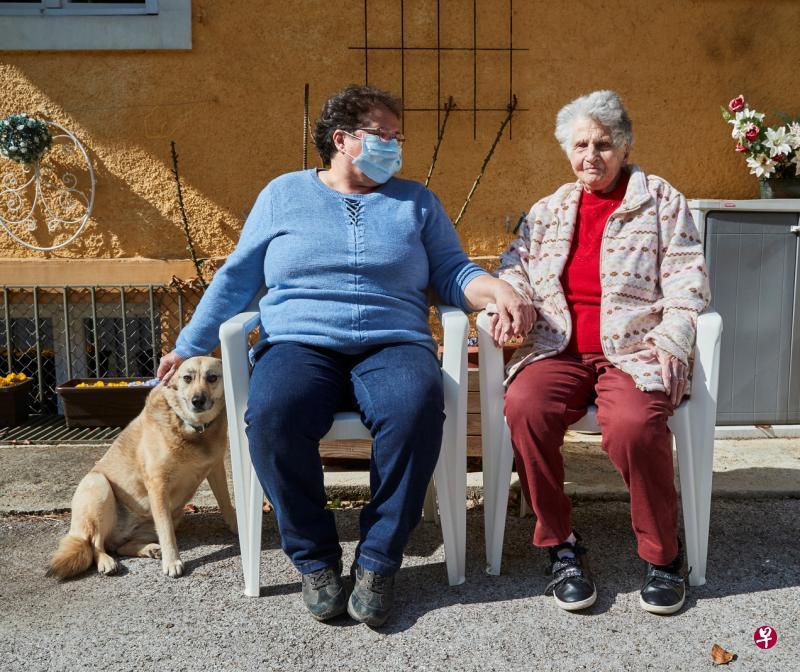 瑞士95岁老妇战胜冠病