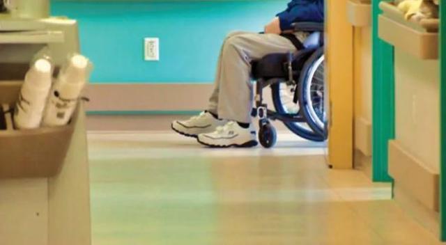 加拿大安省出现最大规模爆发 一护理院半数职员病倒