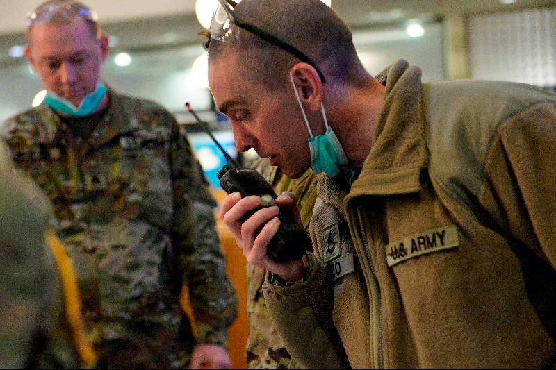 美军首次有现役人员死于冠病·已有569名军人确诊