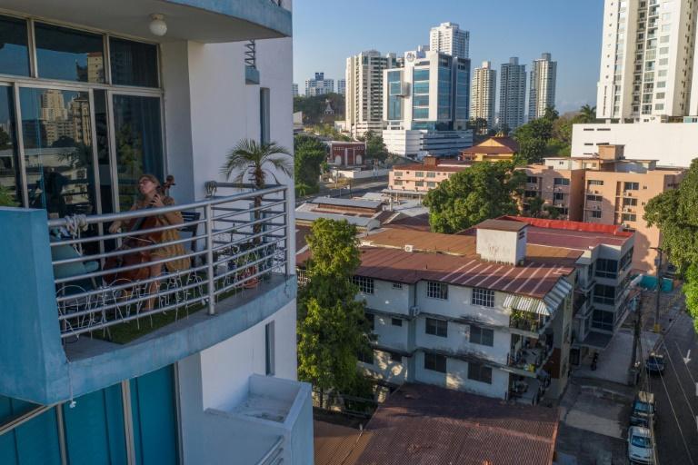 Panama to restrict movement by gender during virus quarantine