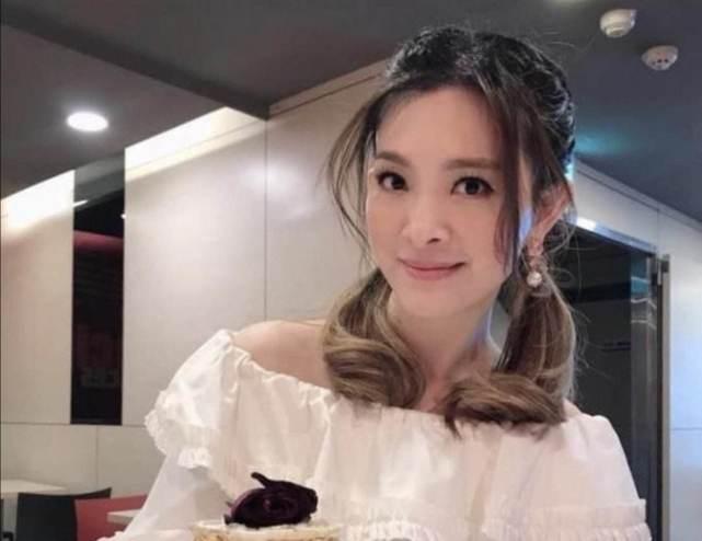原创 刘真就诊医院回应拒绝收治原因:她选的手术方式对40多岁人是禁忌