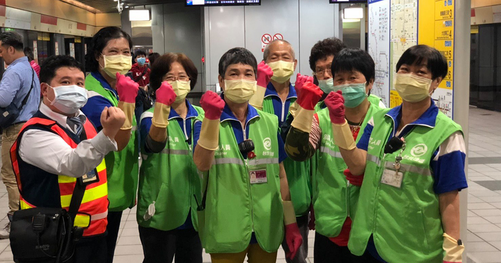 Taiwan to make wearing masks on public transport compulsory