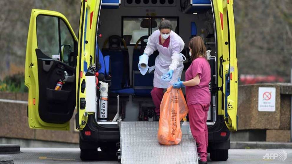 UK records more than 500 daily coronavirus deaths for first time