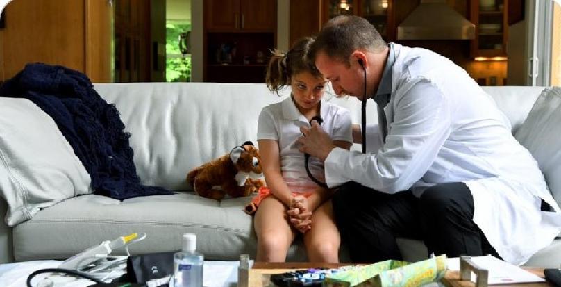 疫情期间居家隔离看病成难题? 美国一医疗机构提供上门问诊