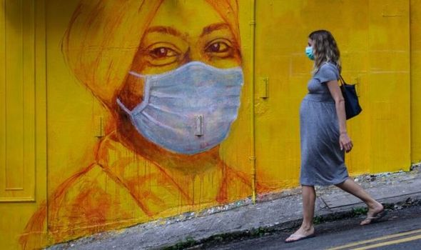 Coronavirus when pregnant: Childbirth during pandemic will be 'traumatic' warns expert