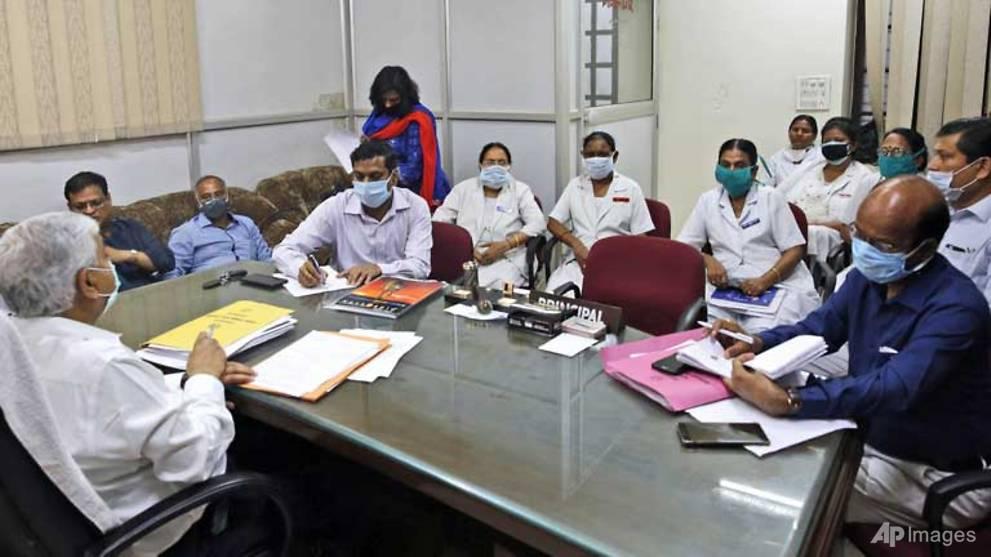 Indian medics say COVID-19 critics being muzzled
