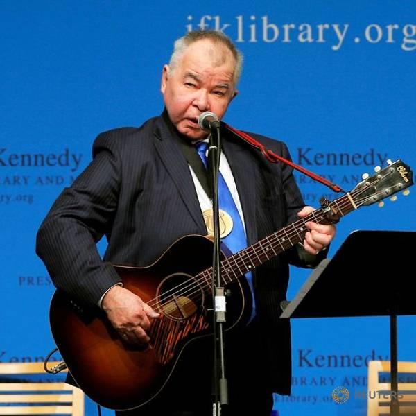 Country folk singer John Prine dies at 73 of COVID-19 complications