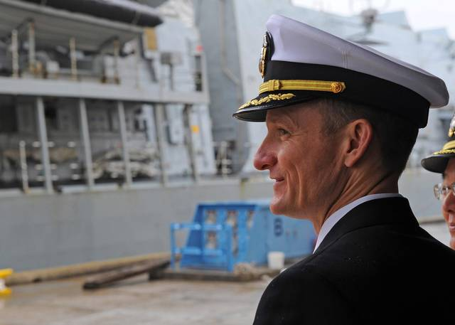 美国航母舰长解职风波又有新剧情 海军最高层不排除让其复职