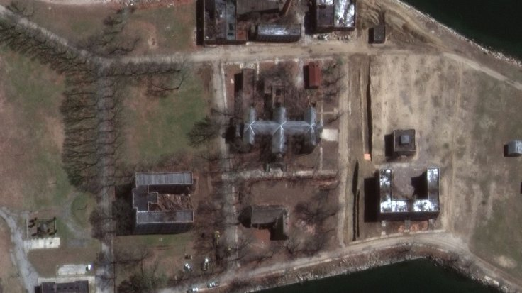 New York slashes dead body holding time as video of mass burial at Hart Island goes viral