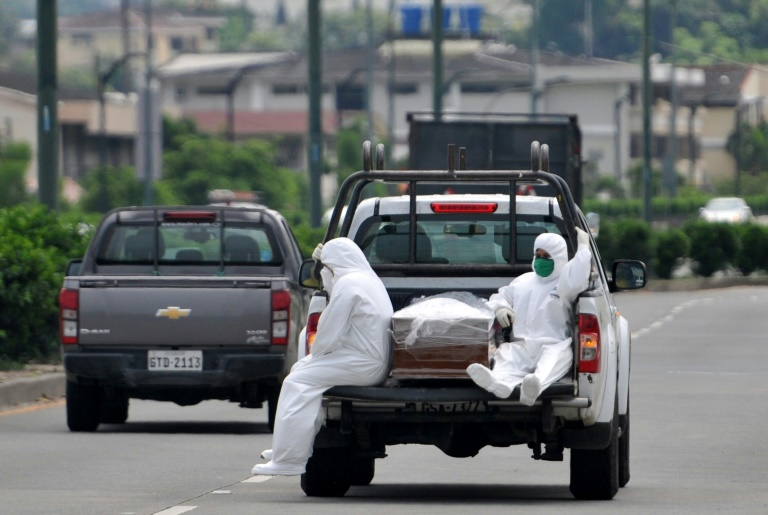 Waiting for news of the dead at the heart of Ecuador's virus outbreak