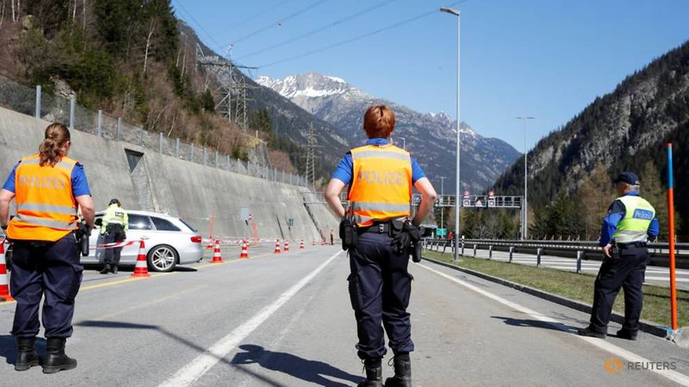 Drivers to Switzerland's scenic south stopped by police in COVID-19 crackdown