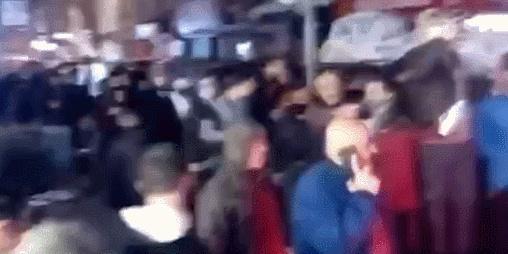 土耳其突然宣布宵禁 民众没带口罩就上街抢货