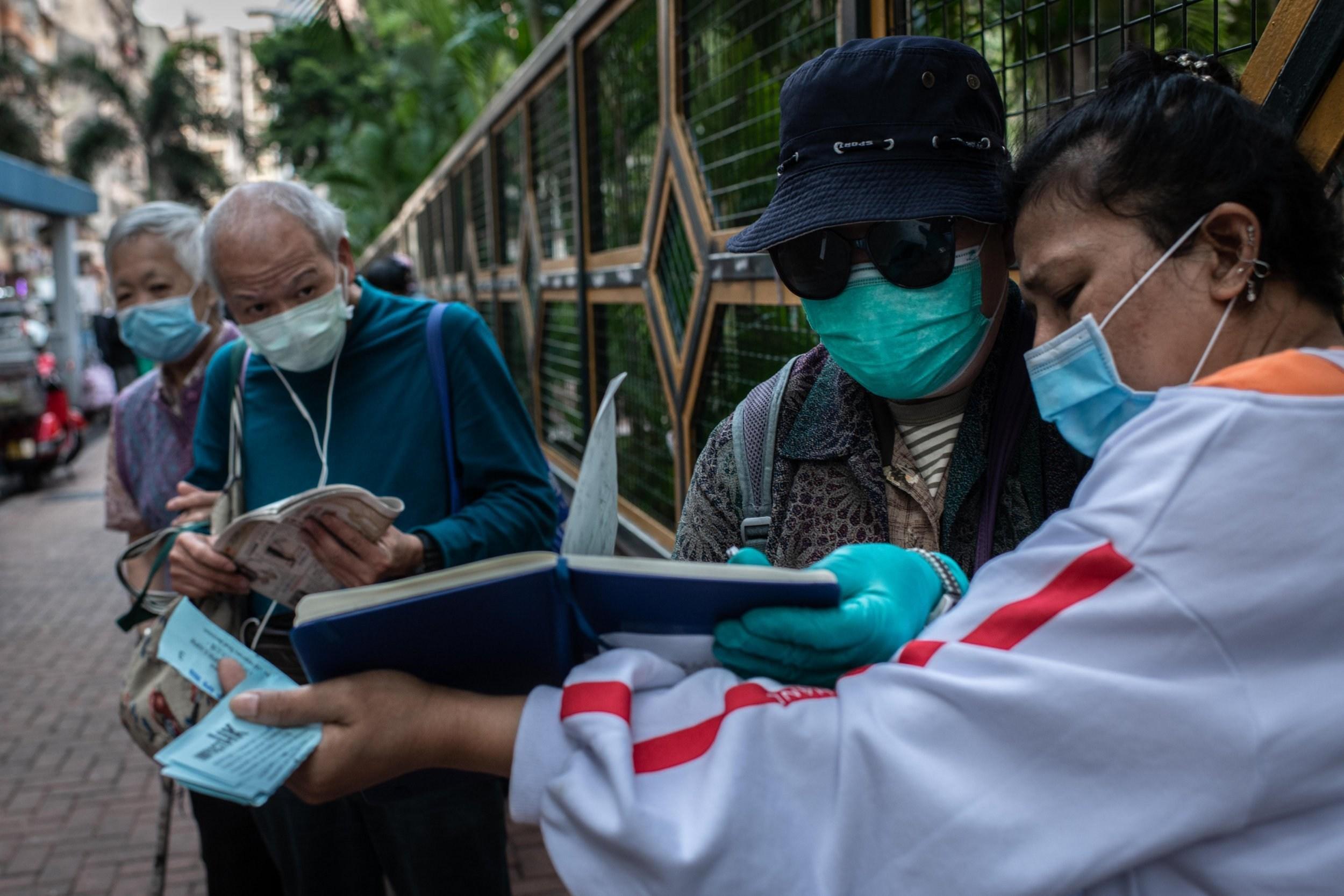 One in ten health workers catching coronavirus, WHO says