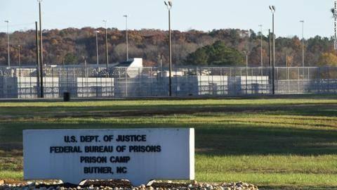 美国北卡罗来纳州一监狱83人确诊 囚犯每周领一个口罩