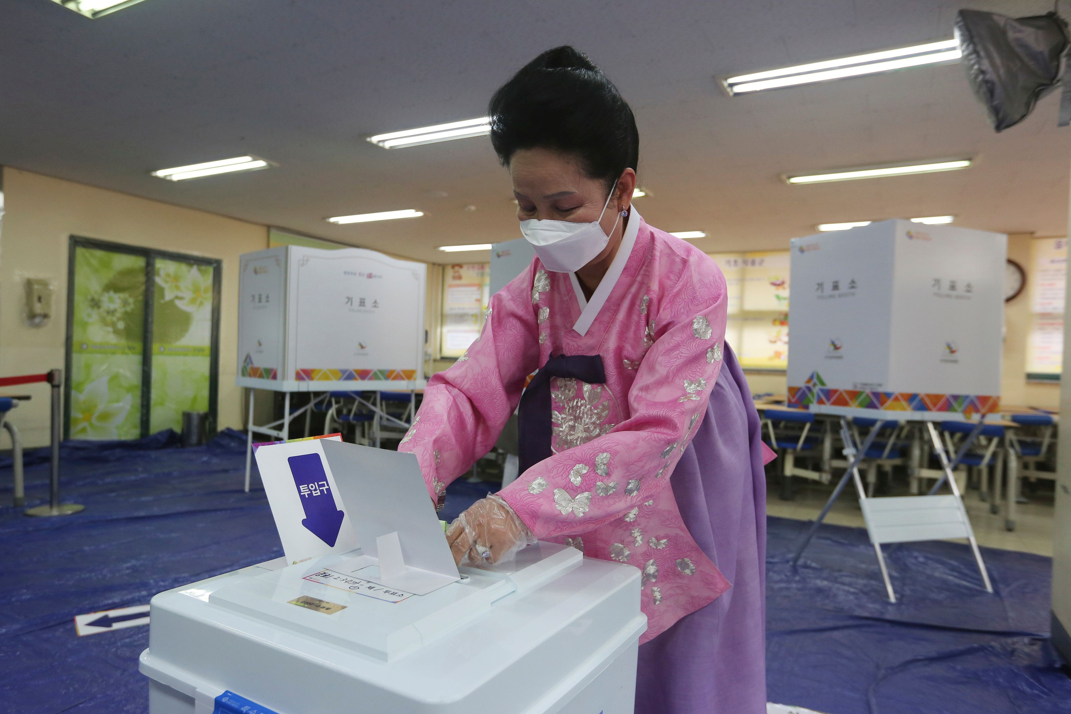 In the middle of the coronavirus pandemic, 66% of South Koreans turned out to vote