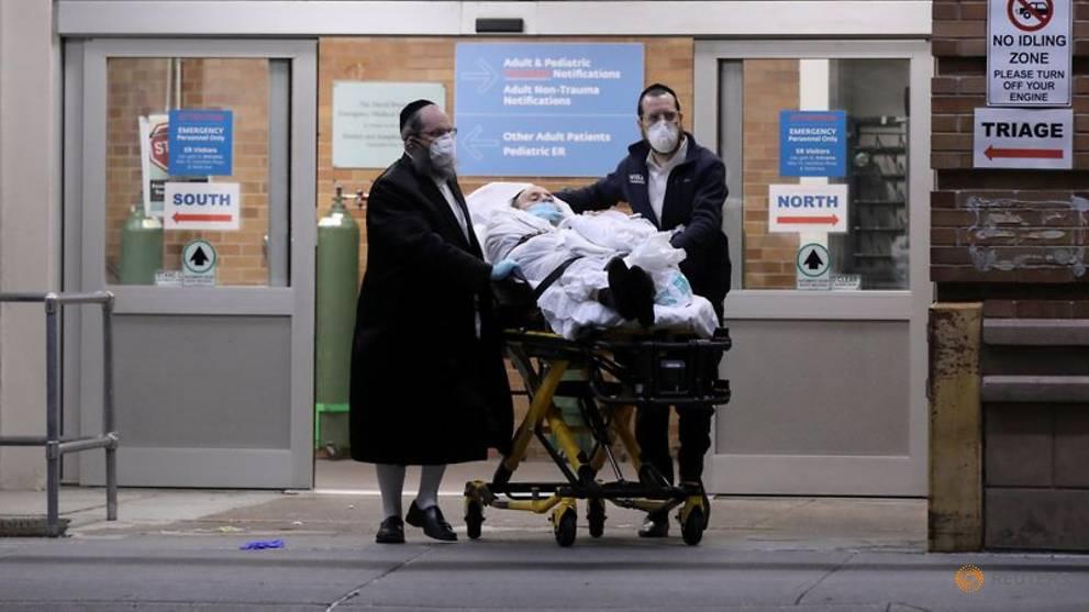 US coronavirus death toll approaches 30,000
