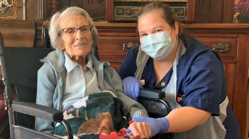 106-year-old British woman beats COVID-19
