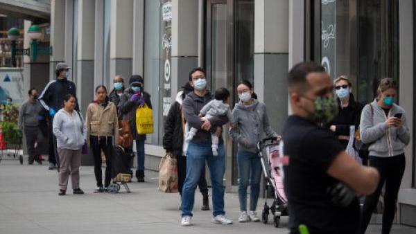 美国新冠肺炎确诊病例超65万例 死亡超3万例