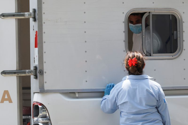 Guatemala says 32 on deportation flight from U.S. Infected with coronavirus