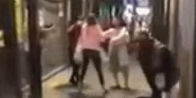 """新加坡女留学生澳洲遇袭:遭扩音箱砸头,被辱骂""""新冠肺炎病毒"""""""