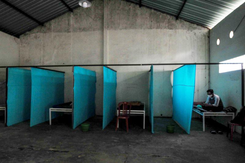 对付违令者 印尼出怪招 关「鬼屋」