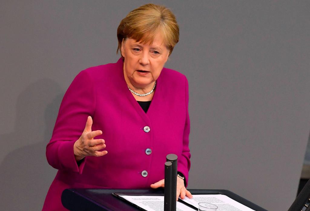 默克尔警告德国仍处疫情初期 连喊三遍要做这件事