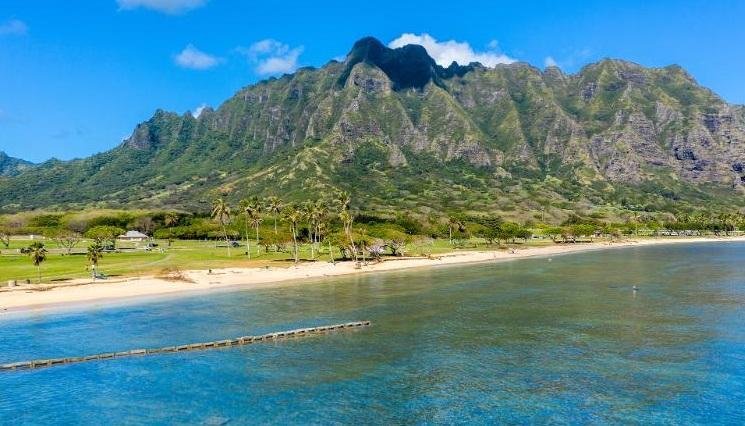 """抵达后不愿隔离?夏威夷给违规乘客送机票""""空运""""回家"""