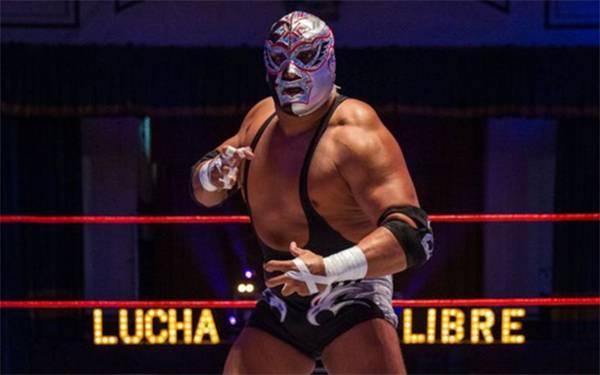 墨西哥自由摔跤选手自改造口罩!外表炫丽夺目掀起抢购潮!