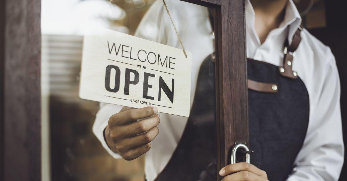 "Texas town prepares to reopen ""non-essential"" businesses amid coronavirus"