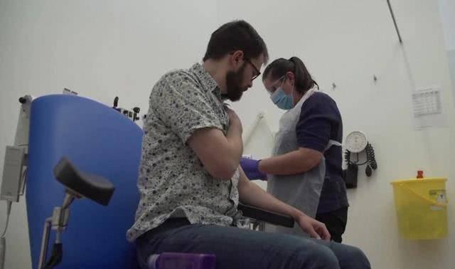 医护人员真的太伟大了!澳洲医生自愿成英国疫苗人体试验的注射者!