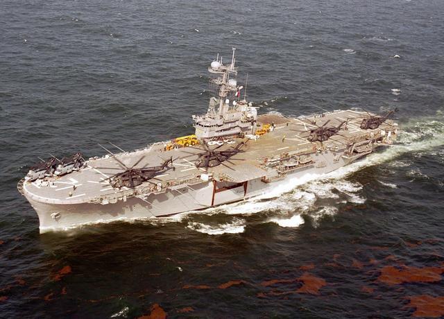 """两栖攻击舰带来""""超地平线立体登陆"""""""